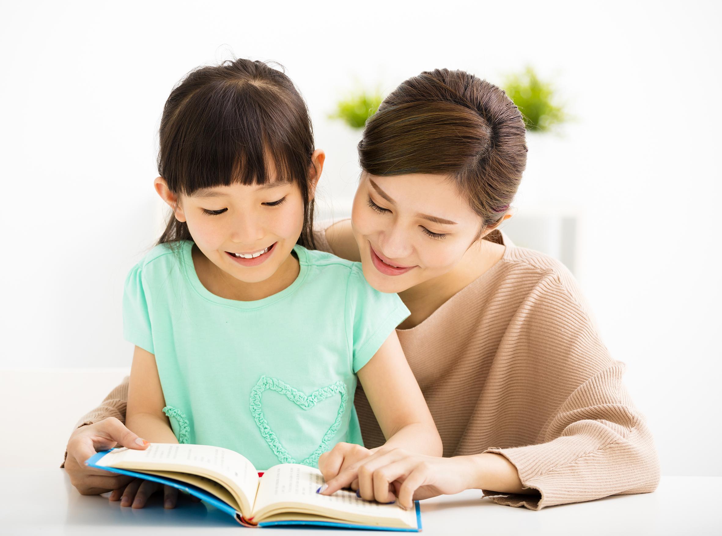 Có nên cho con học tiếng Anh từ sớm?