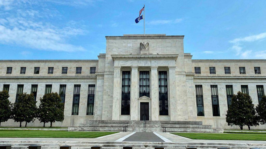 thị trường chứng khoán Mỹ năm 2021 sẽ ảnh hưởng bởi Fed ra sao?